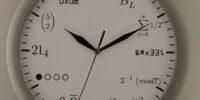 分かるならオシャレ?文字盤が数式な時計「GEEK CLOCK」