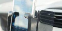 暑い夏でも車内でスマホを急速充電する方法