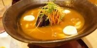 とろろとご飯とカレーうどんが層に。「豊橋カレーうどん」を豊橋駅前の玉川うどん本店で食べてきた