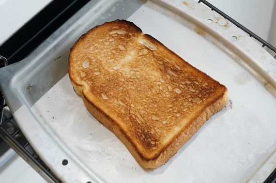 how_to_toast_bread_with_grill_4_sh