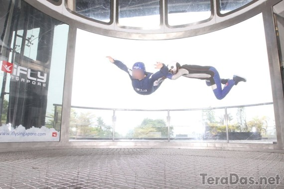 disabled_can_enjoy_indoor_skydiving_9